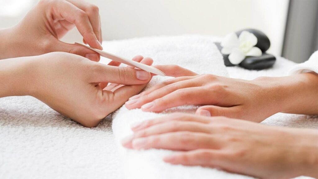 восстановление ногтей, салон