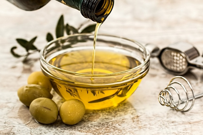 1о способов применения оливкового масла в косметологии