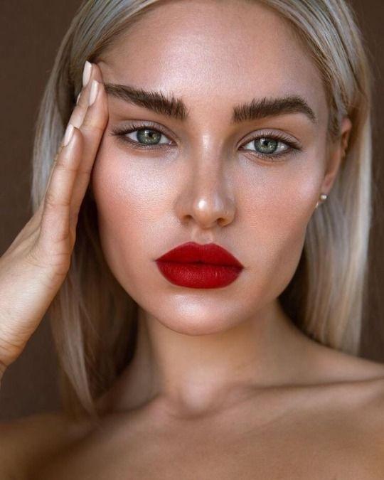 модный макияж для блондинки