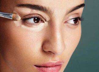 Как скрыть синяки под глазами с помощью консилера?