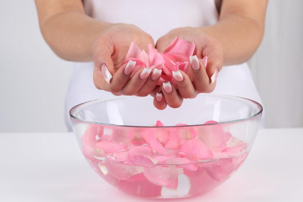 масло из розы, розовое масло